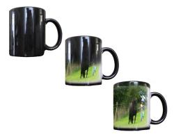 Mug magique noir personnalisé avec une photo