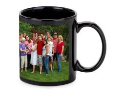 Mug noir personnalisé avec une photo
