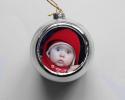 Boule de Noël argentée à personnaliser avec une photo