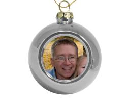 Petite boule de Noël argentée à personnaliser avec une photo